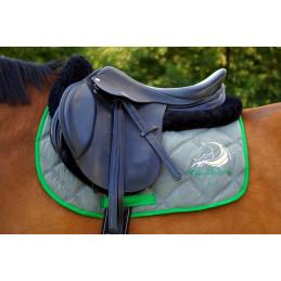 Czaprak do jazdy konnej - Healthy Horse z mikrofazy + haft